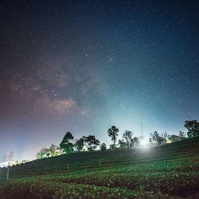 ความสวยงามบางสิ่ง อาจต้องมองผ่านเลนส์ Thailand Thaitraveling Thetrippacker Amazingthailand Worldmastershotz_asia Loves_siam Astronomy Chianghaijudpai Igtravel Wanderlust Outdoorresearch Wanderlust Walkwithuniverse Reviewthailand Photooftheday