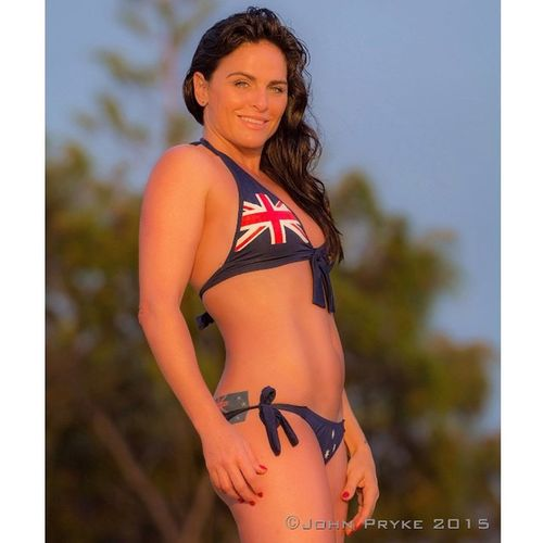 Wishing @belindagavin the very best of luck on her new adventures away from these shores Photoshoot Actress Director Driver Aussiecalifornian Folio Bikini Aussie Australia GoldCoast Fitness Beach Sunrise