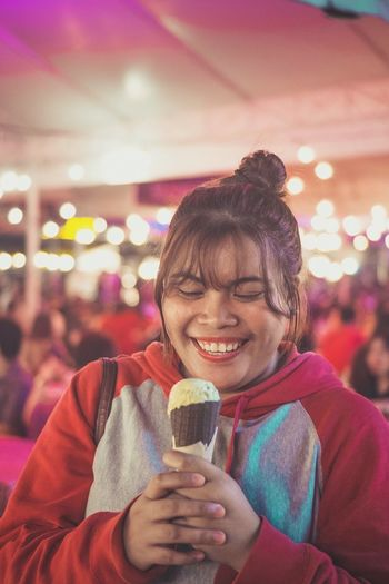 Comfort food for evryone Icecream🍦 Icecream Smiling Happiness Holding Portrait Fun Real People Arts Culture And Entertainment Focus On Foreground Front View Enjoyment