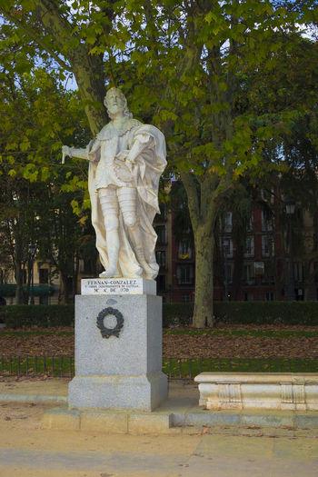 Statue of de