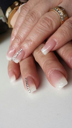 Todays first customer wanted bling with white. Nails Fashion&love&beauty Fashion Gelnails