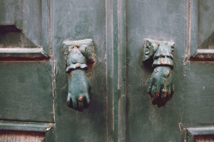 toc toc toc EyeEm Selects Wood - Material Door Close-up Door Knocker Closed Locked Front Door Entryway Doorknob Closed Door Wooden Door Handle Lock Shutter Padlock