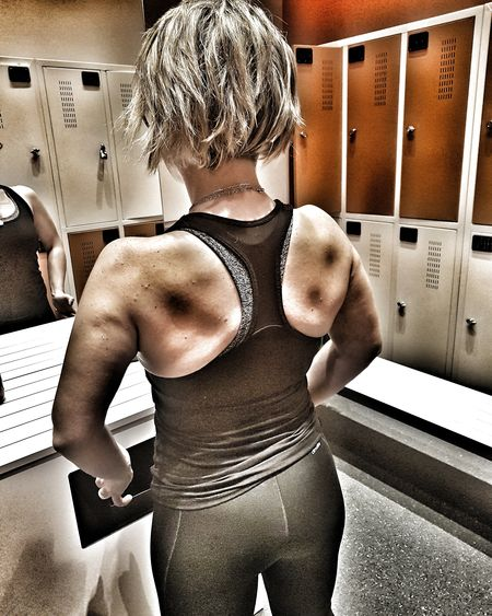 love my muscles 💪💪💪 Imbackagain EyeEm Model Love Fitnessmodel Helloworld Myback Fitnessmotivation Fitnesstrainer FitnessTraining Indoors  One Person People Real People Adult Day Adults Only