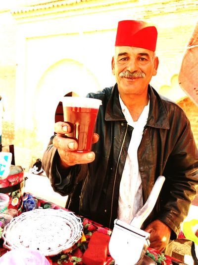 EyeEm EyeEm Gallery City Of 1001 Impressions Fresh Juices Pomegranate Juice Men Marrakech Day Adventures In The City The Portraitist - 2018 EyeEm Awards Smiling Happiness Portrait