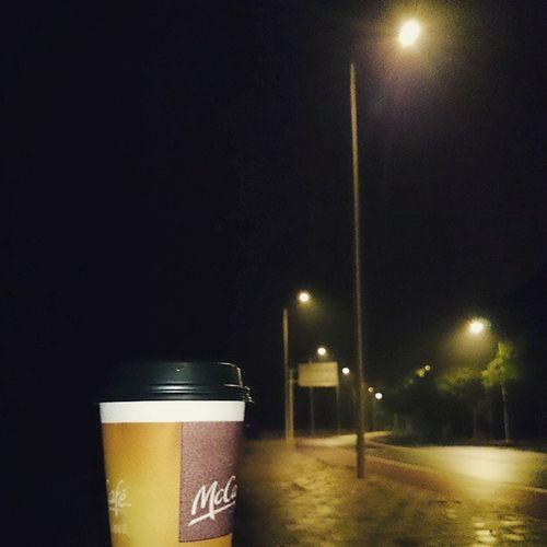 孤身一人. Road Night Zhuhai McDonald