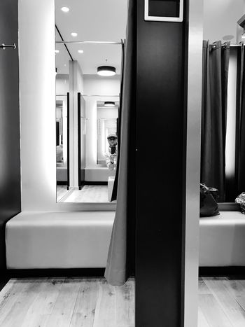 OpenEdit Open Edit Fashion Shopping ♡ Shopping Mall Shopping Time Fitting Room Waiting Waiting ... Blackandwhite Black & White EyeEm Gallery Interior Abstract Abstract Photography Black And White Photography Black And White Black&white Blackandwhite Photography Lights Mirror IPhoneography Iphonephotography Mirrorimage Mirrorselfie