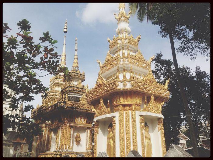 Budda Wat Vientiane Hello World