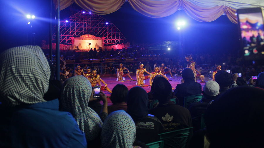 traditional dance group jaran kepang First Eyeem Photo Indonesian Jaran Kepang Editorial  Night Event Real People Group Of People Crowd Traditional Dancing Traditional Dance Large Group Of People