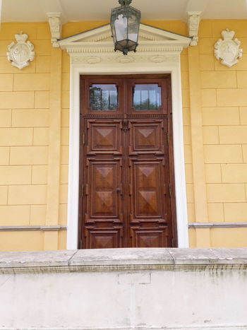 Door Entrance Closed Built Structure Architecture Doorway Wood - Material House Old-fashioned History No People Façade Building Exterior Outdoors Day Golf Club Close-up Tourism 1700's Architecture Wilanów 1800's Portal Door Double Door Wooden Door