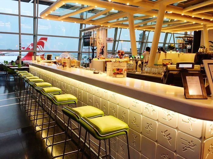 Zürich Zürich Airport Sportsbar Aircraft View Background Earlymorningview Interior Design Swissairlines
