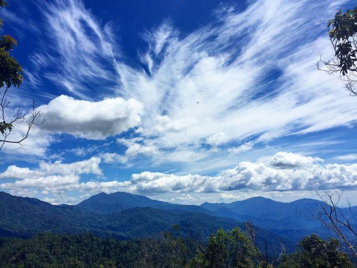 Beautifulskies Clouds And Sky Beautiful Nature Beautiful Day Hikingadventures Thepeak Mountains