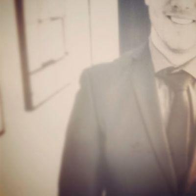 Working Selfie Selfportrait Suit And Tie