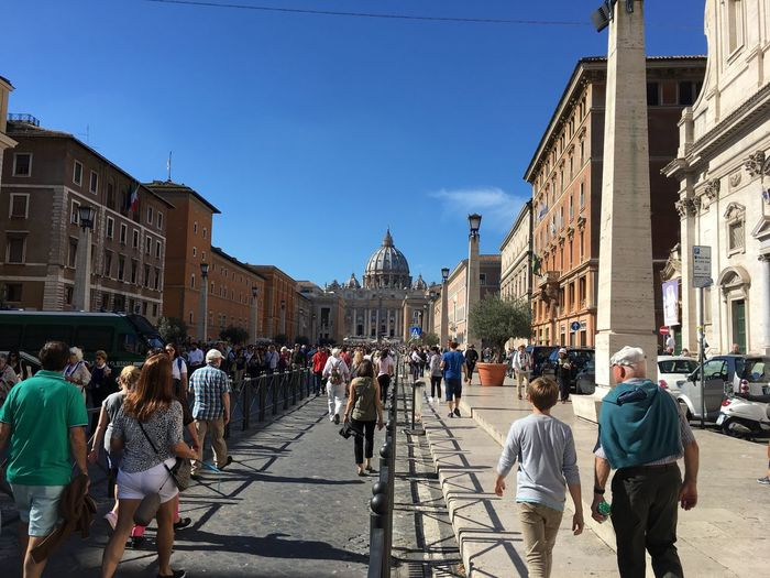 Building Exterior Large Group Of People Architecture Italy Ancient St Peters Basilica Rome Vatican Spirituality Person VaticanCity Place Of Worship Capital Cities  Roma Tourist Travel Destinations Sky City Life Tourism Casual Clothing In Front Of Blue Day Famous Place Vacations