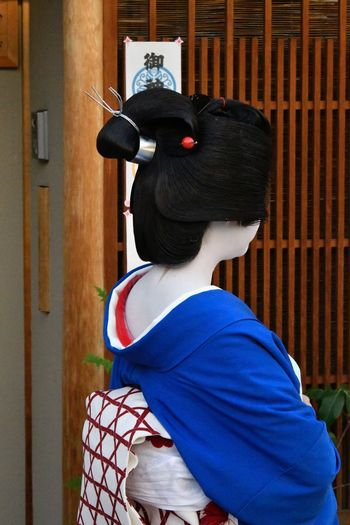 Rear View One Person Real People Leisure Activity Casual Clothing Lifestyles Portrait