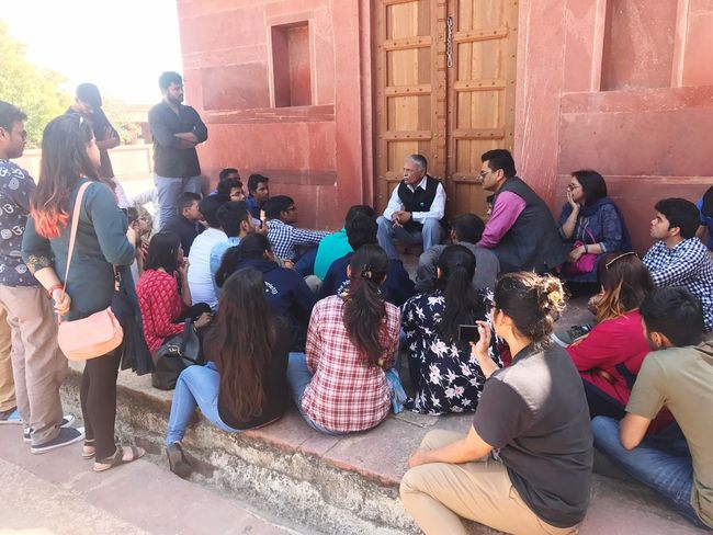 History Lesson outdoor at Fatehpur Sikri