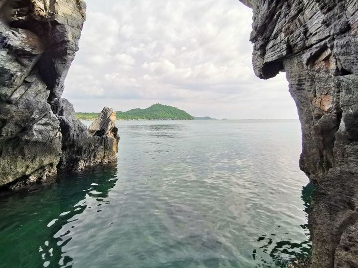 Rock Face Sea