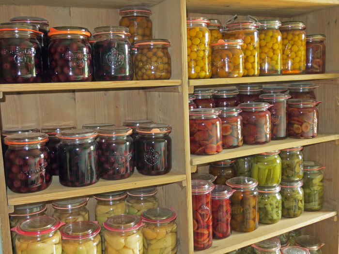 Pickled Values Arrangement Can Canned Canned Food Choice Day Food Glass - Material In A Row Indoors  Jar Label Large Group Of Objects No People Oldfashioned Pickle Pickled Vegetables Preserve Preserved Foods Receipt Shelf Variation