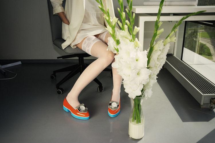 Deadlines Linas Was Here Long Legs Office Woman Work Fancy Female Girl Model Orange Shoes Secretary Shoes Fashion White Flowers