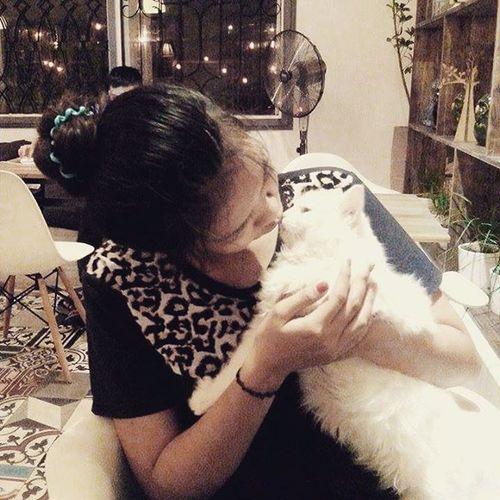 Queen & con mê mèo :))))))))))) Oromia Cat Chut :* :*