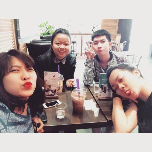 Tụ tập là tụ tập !!! ♥♥♥♥ Friends Family Familys Instaboys Instagirls Girls Boys Vietnamese Vietnam Asian  Coffee Thecoffebean Caphe Chemgio