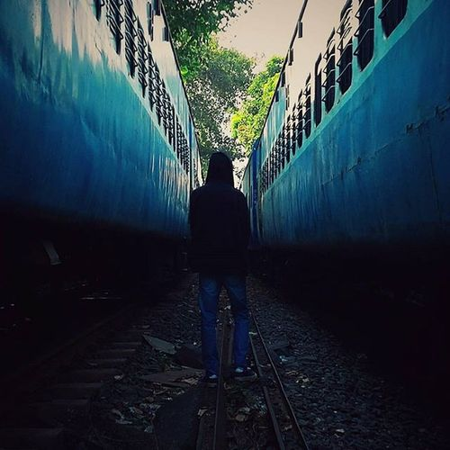 Phoneonly Vscocam Trains Perspective Railway Tracks Lowerparel Symmetry