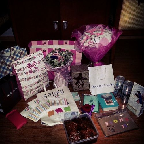 "I call ""these"" as their cares for me♥ Birthday Presents Foreignfriends"