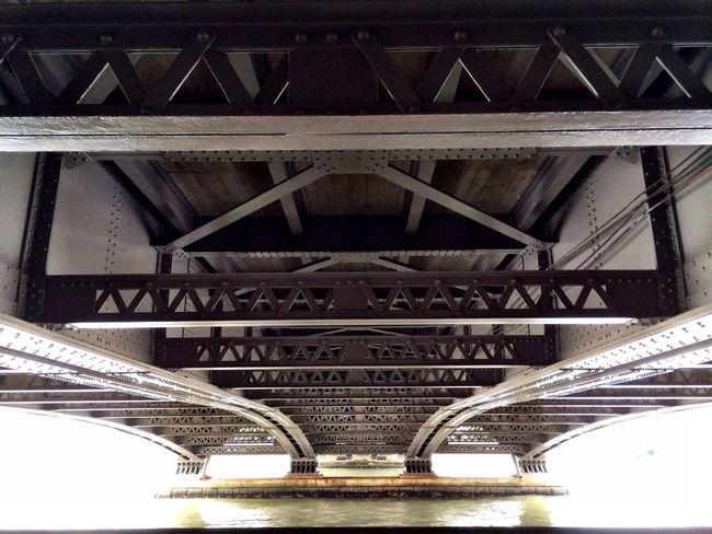 橋の裏側最高