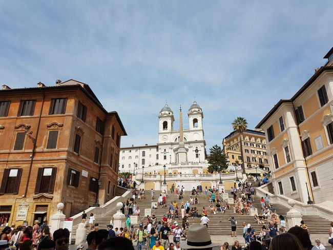 Pizza Time Rome Spanish Steps Spanish Steps, Rome Italy Architecture Group Of People Italy Large Group Of People Mozarella Outdoors Pizza Plazza Sky Tourism Travel Destinations