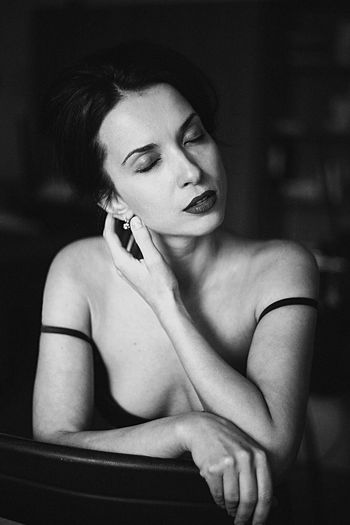 Portrait Blackandwhite Beauty Girl Feelings Sexygirl