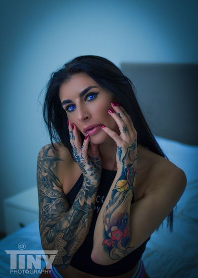 Tinyphotography Modellife Long Hair FollowMeOnInstagram Portrait Photography PortraitPhotography IShootPeople Tattooart Tattooedgirls Photooftheday Streetphotography Photoshoot Canon Fashion Photography Fine Art Photography Handsonface