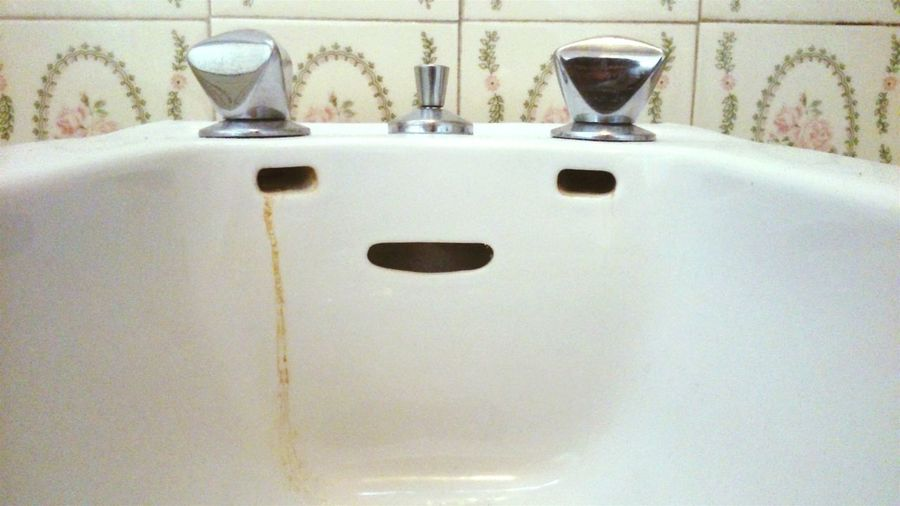 Crying sink