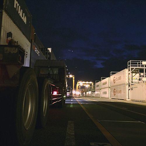 Container Truck EyeEm Eye Em Around The World EyeEm Best Shots EyeEmBestPics Crane Truck Hanging Out