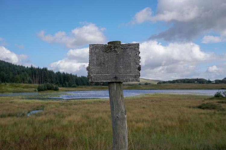 blank sign near