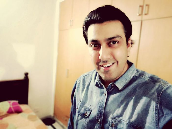 self obsessed Selfie ✌ Clean Shaved Groomed Handsome Hottie EyeEm Selects Portrait Looking At Camera Smiling Black Hair Headshot Home Interior Handsome Happiness Close-up Casual Clothing Brown Eyes Suave Metrosexual Natural Beauty