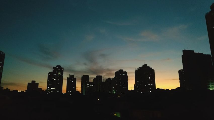 Boa noite lindo final de tarde. Studio54producoes Asus Asus Zenfone Photography Zenfone Photography Zenfone3 EyeEm Selects Voltaja City Cityscape Urban Skyline Modern Skyscraper Sunset Illuminated Downtown District Business Finance And Industry Sky