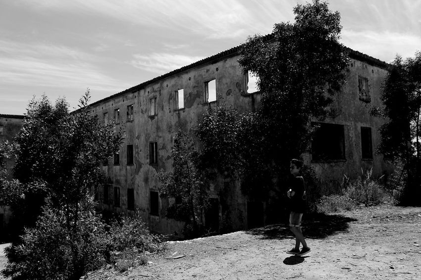 Sanatorium Sanatoriovalongo Valongo Built Structure Building Exterior Abandoned Places Abandoned Buildings Portugal Porto No People Nature Shooters Blackandwhite Architecture