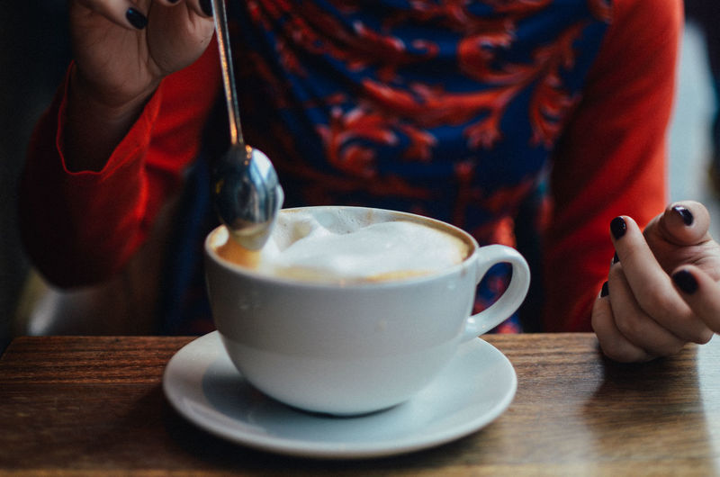 Food And Drink Drink Cup Table Mug Human Hand Refreshment Hand Real People Holding Coffee - Drink Coffee Cup One Person Coffee Kitchen Utensil Midsection Indoors  Spoon Human Body Part Eating Utensil Saucer Hot Drink Crockery Tea Cup