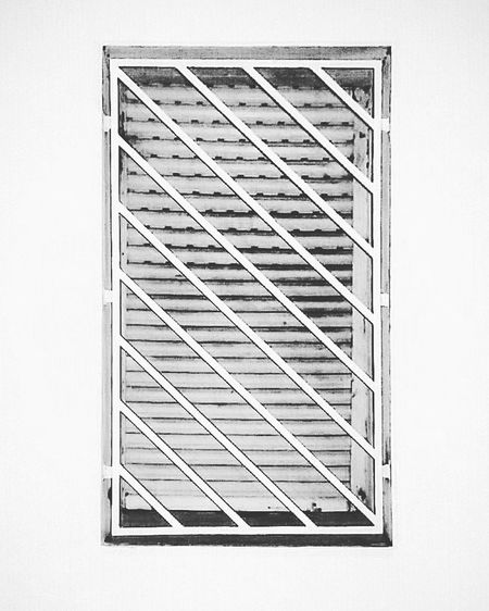 #Window #alone #blackandwhite #diagonal #texturs #front View #grey #monocrome #stripes