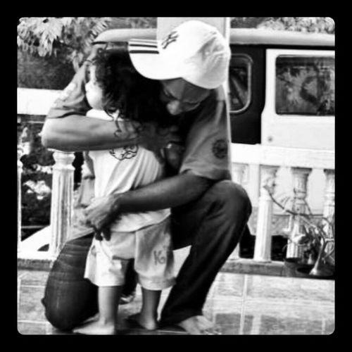 Just hug....show me how deep you love me, Dad.....Kiddy Lovely Ig Instapic friendsxtraordinarynoya