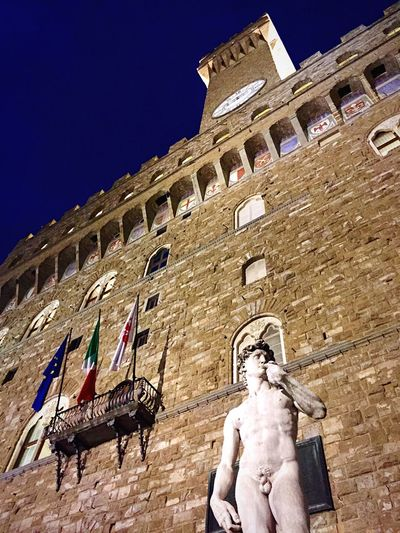 Artphoto First Eyeem Photo Florence Florencemeetup Florence By Night I ❤ Florence Street Art