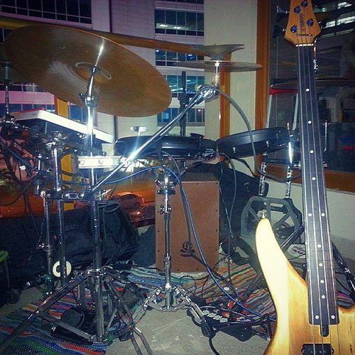 Anoche en Mercao. El set QUANTUM. Yep. It does have more cowbell. Roland Octapad Wavedrum Latinpercussion Zildjian