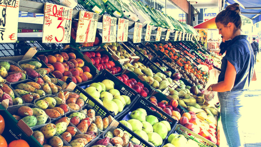Cityscape Streetphotography Streetphoto_color Streetphoto Fruit Fruits Colorful Colors Summer City Color Photography Supermarket Market Retail  Choice Customer  Vegetable Display Shop EyeEmNewHere