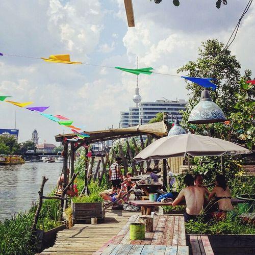 Sunday riverside chilling. Berlin Berlinvibes Favorites Holzmarkt