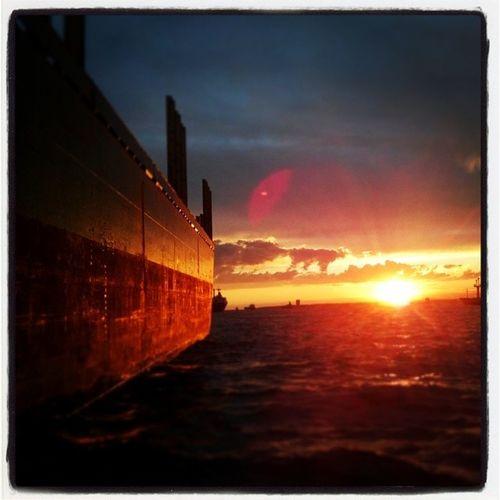 Bir Gemi Gidiyor Sessiz ve sakin instasyon istanbul sea selfie life likeforlike ship gunbatimi sunny objektifimden oan benimkadrajim photo