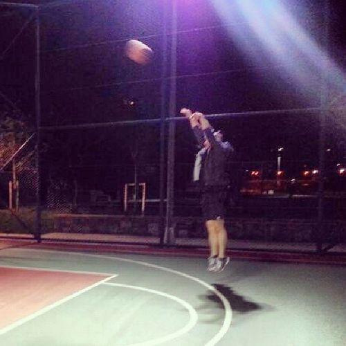 Basketball Basketbol Moda Modasahili modasahil yogurcuparki kadikoy kadikoymoda istanbulkadikoy istanbulkadikoymoda tagsforlikes likeforlike gece jump bisuruetiket begenlan begen begeninlanhepiniz kolumyorulduetiketyapacamdiye yaptikcadayapasimgelir benboyleyim