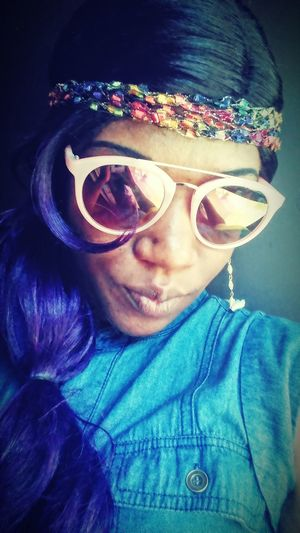Purple lady .. Music paradox