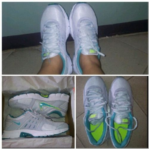 Yey new kicks! Thanks Mama! <3 Nike Footwear Nikeairretaliate2 Neongreen kicks gift igerspinay pinoy igersphilippines igph 2013 happy blessed mom mama shoes