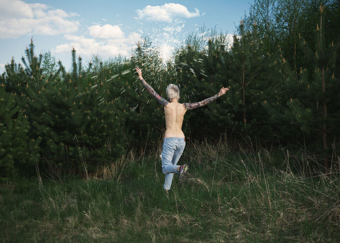 Born Free Back Blonde Linas Was Here Nature Pines White Clouds Blue Jeans Blue Sky Evergreen Girl Summer Tattoo Toplesswoman The Great Outdoors - 2018 EyeEm Awards A New Beginning