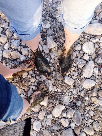 Tough girls with tough feet!! Feet Nature Dirty Check This Out