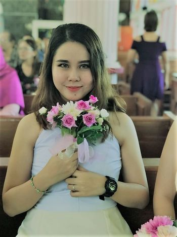 EyeEm EyeEm Market © EyeEmNewHere Beautiful Woman Bouquet Day Flower Freshness Front View Happiness Indoors  Looking At Camera One Person Portrait Smiling Young Adult EyeEm Ready